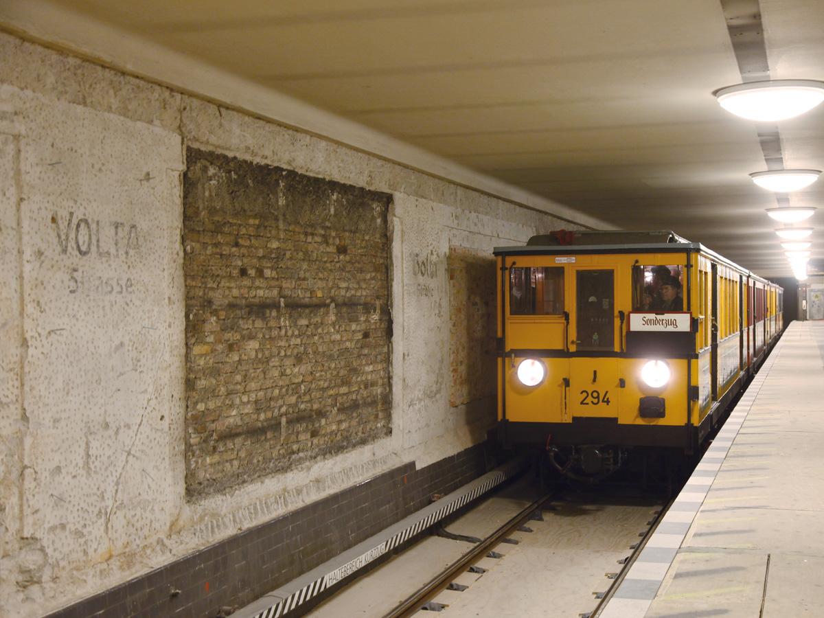 Abb.12: U-Bahnhof Voltastraße, Zustand März 2011. Foto: Jan Borchers.